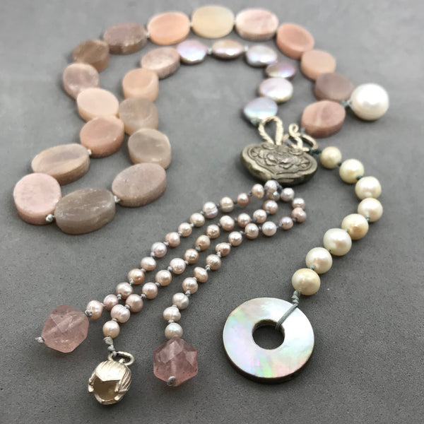 Necklace with sunstone & pearl