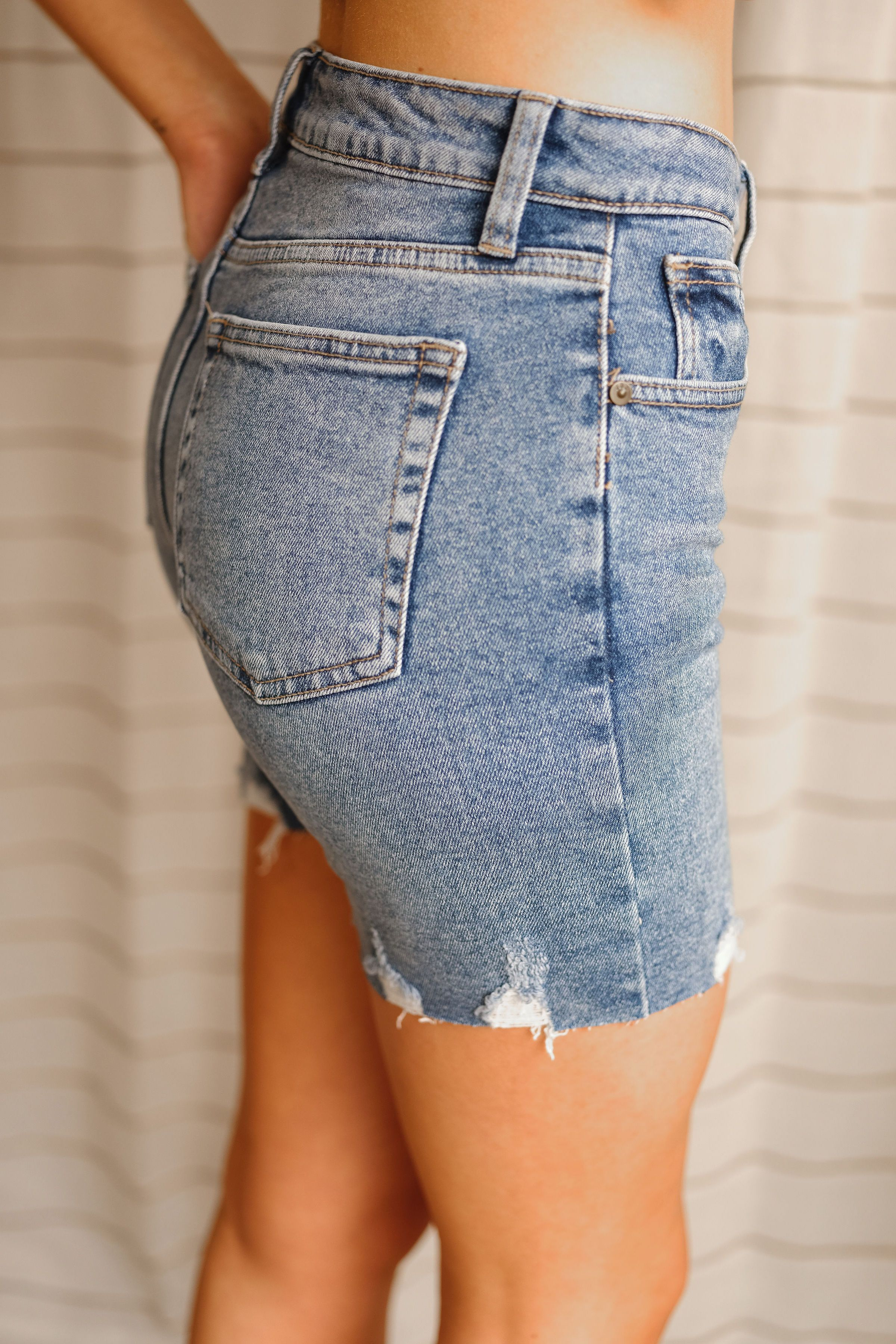 Isabell High Rise Short