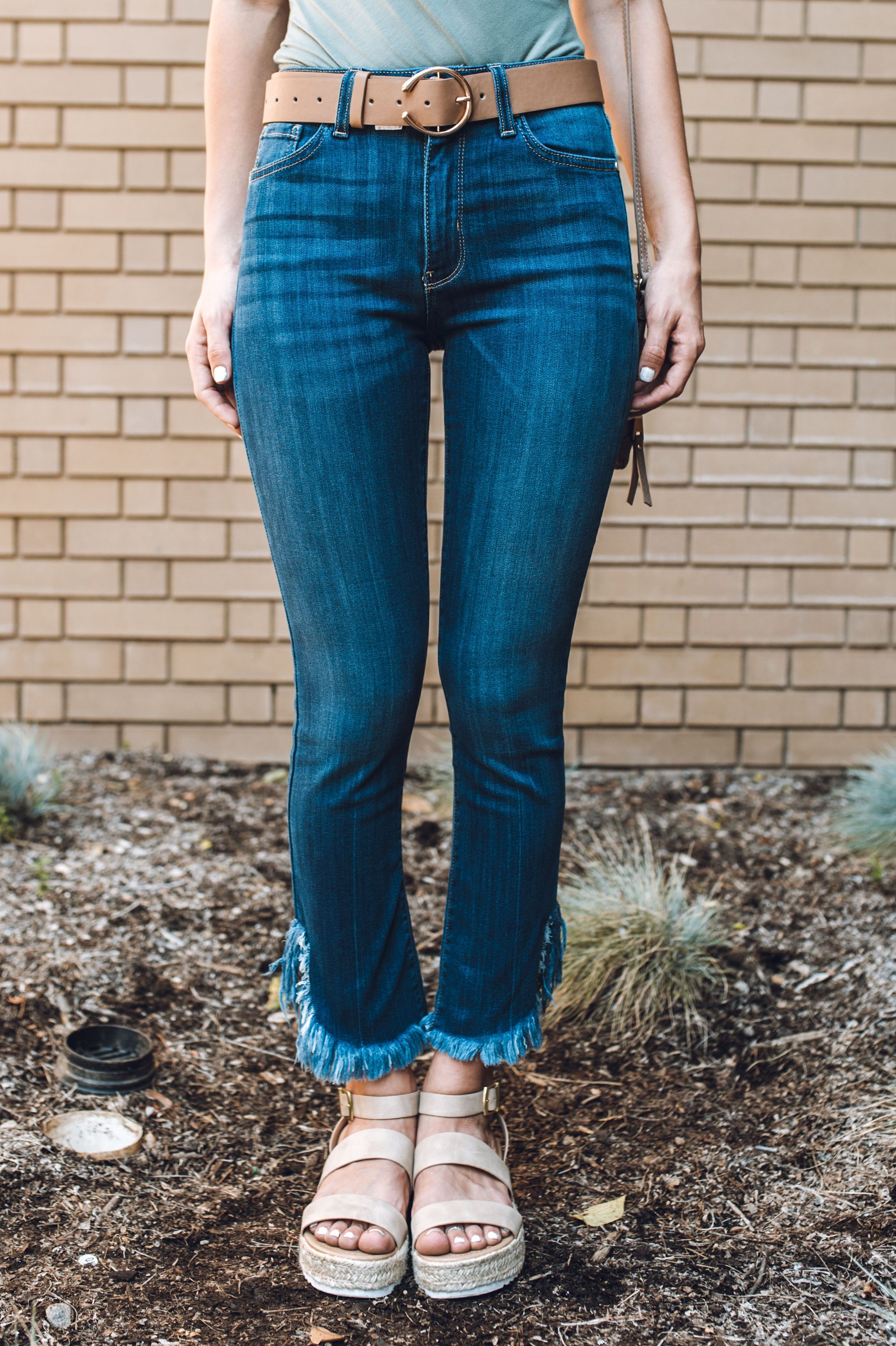 Stand Out Fray Jeans