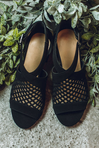 Sliding Into The Week Sandal-Black