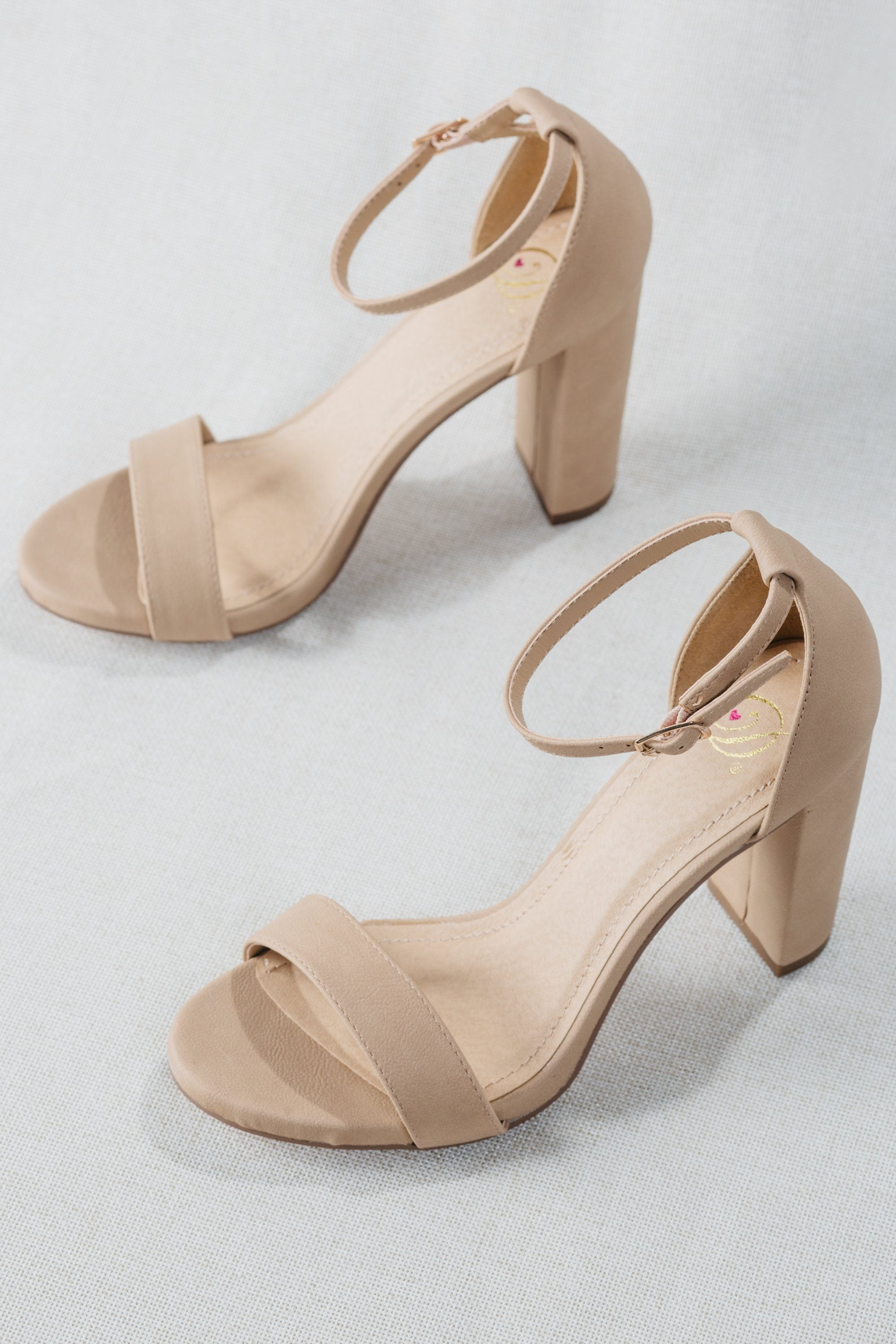 latte, nude, natural, strappy, block, heel