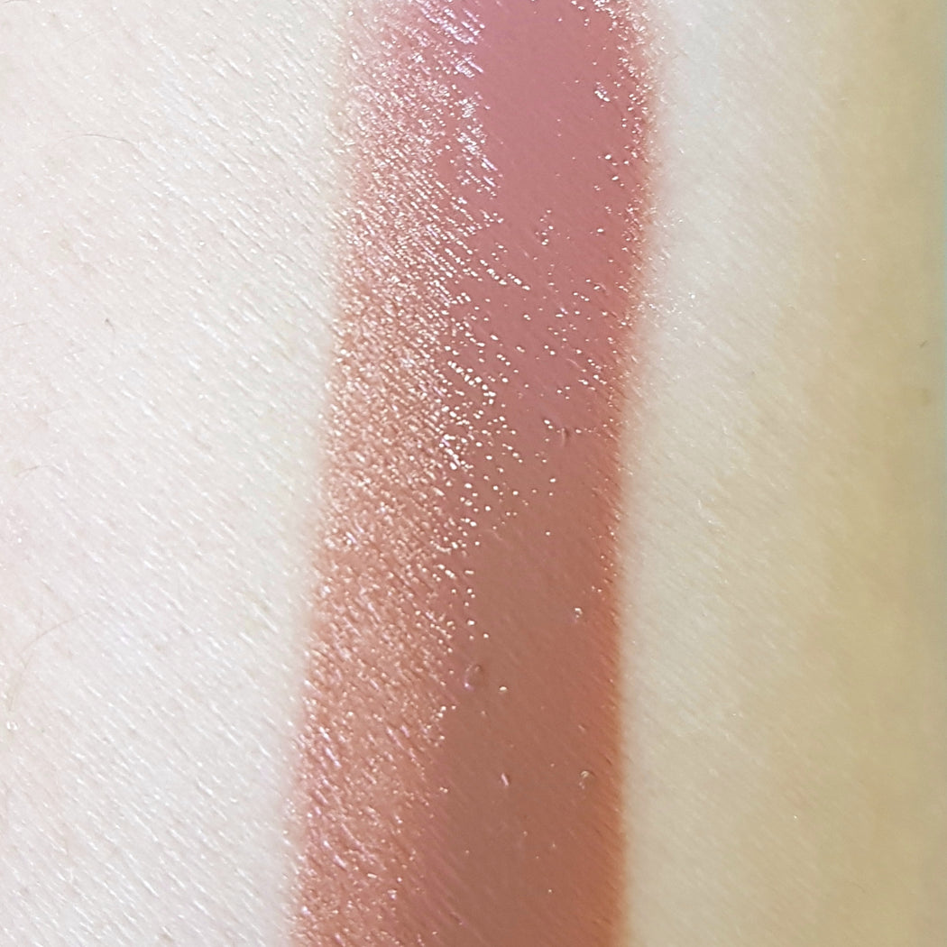 AURA The Gloss