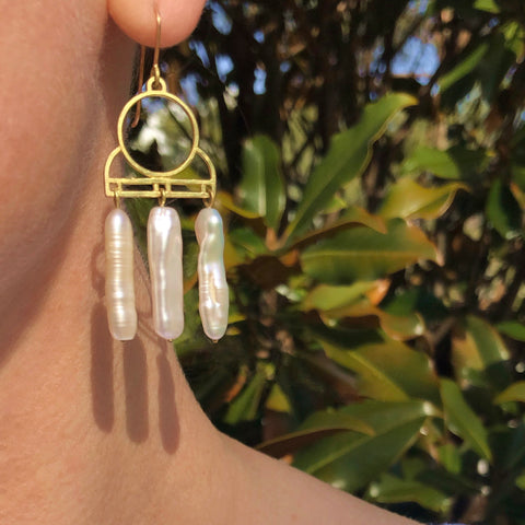 Chandelier long baroque pearl earrings