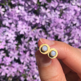Disc stud earrings with lilac stones