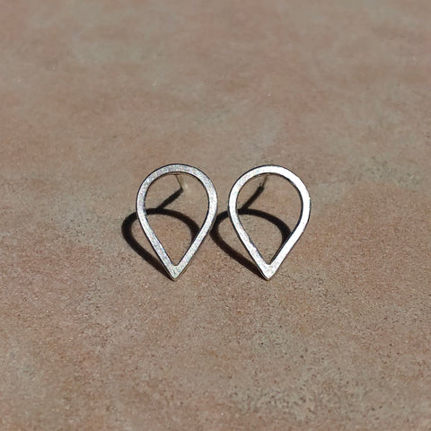Small droplet earrings in sterling silver