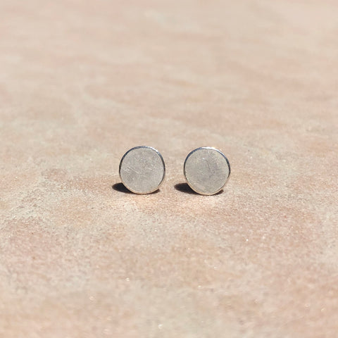 Disc stud earrings in sterling silver