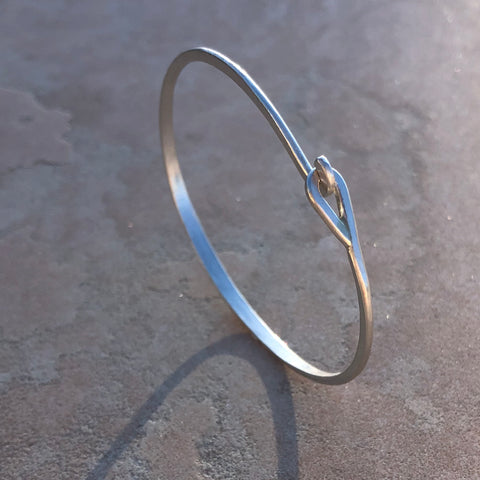 Sterling silver hammered hook & eye bracelet