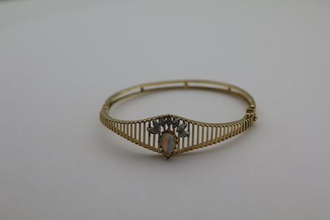 14K Yellow Gold Opal and Diamond Hinged Bangle Bracelet Size 7""