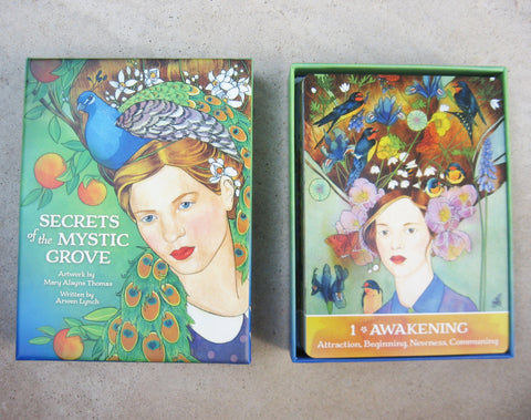 Oracle cards in box