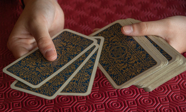 Reading Tarot with a vintage deck