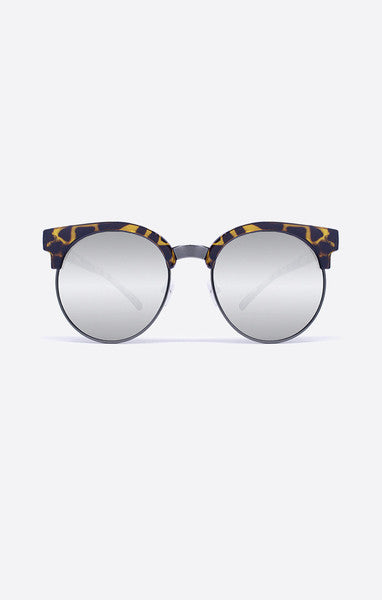 Highly Strung Sunnies (2 Colors) // Quay Australia