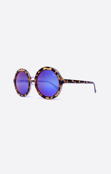 Smoke In Mirrors Sunnies // Quay Australia