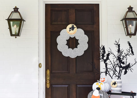 Black Small Dot Big Wooden Wreath