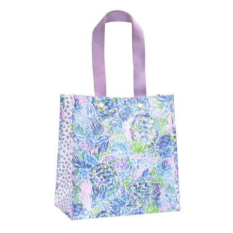 Lilly Pulitzer Market Tote in Shell of a Party