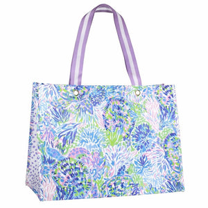 Lilly Pulitzer XL Market Tote in Shell of a Party