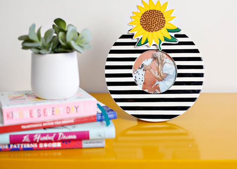 Black Medium Stripe Mini Round Frame - Happy Everything