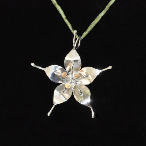 Midnight Flower Pendant - Hebel Design