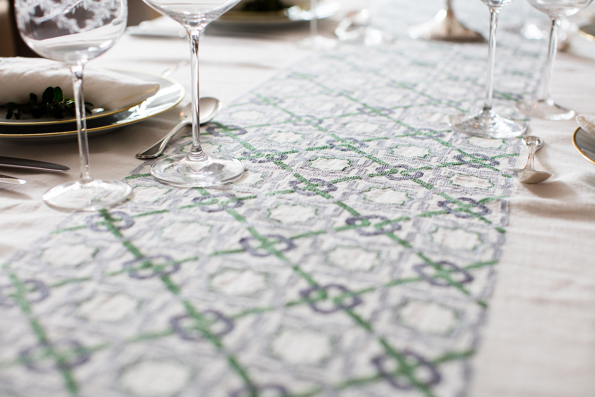 tablecloth linen embroidery