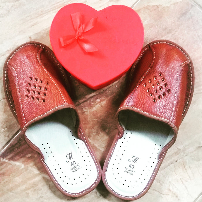 6 Reason Why You Should Wear Leather Indoor House Slippers