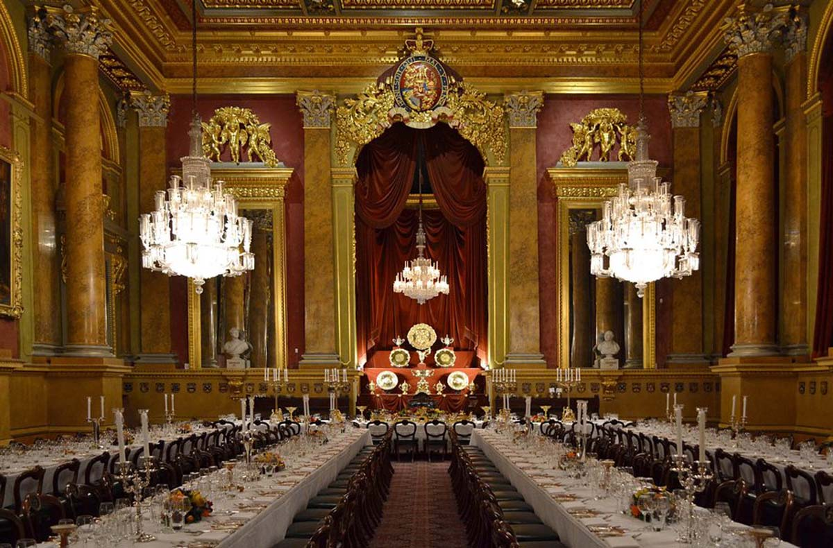 Goldsmiths Livery Hall long table dinner