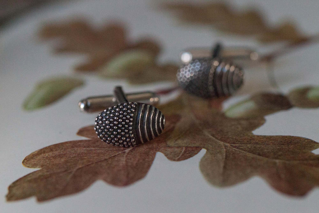 Catheriene Hills Jewellery spotted acorn cufflinks