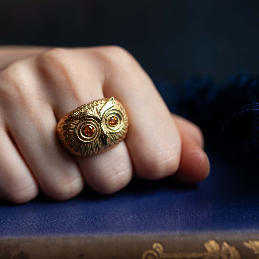 Catherine Hills Jewellery Goldmsiths Collection 2020 - Sapphire Owl Ring
