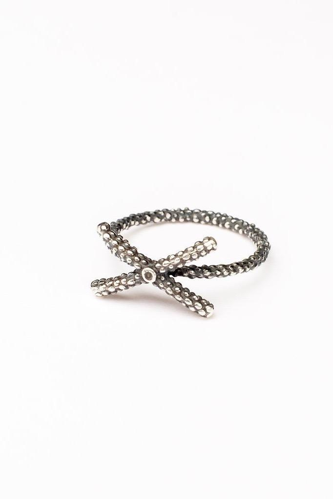 Kiss Cross Ring