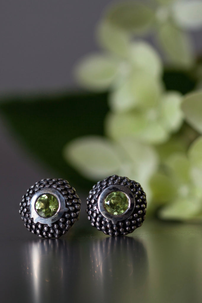 August Peridot Bobbled Pollen Stud Earrings