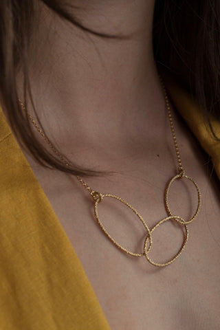 Triple Oval Bobbled Hoop Necklace