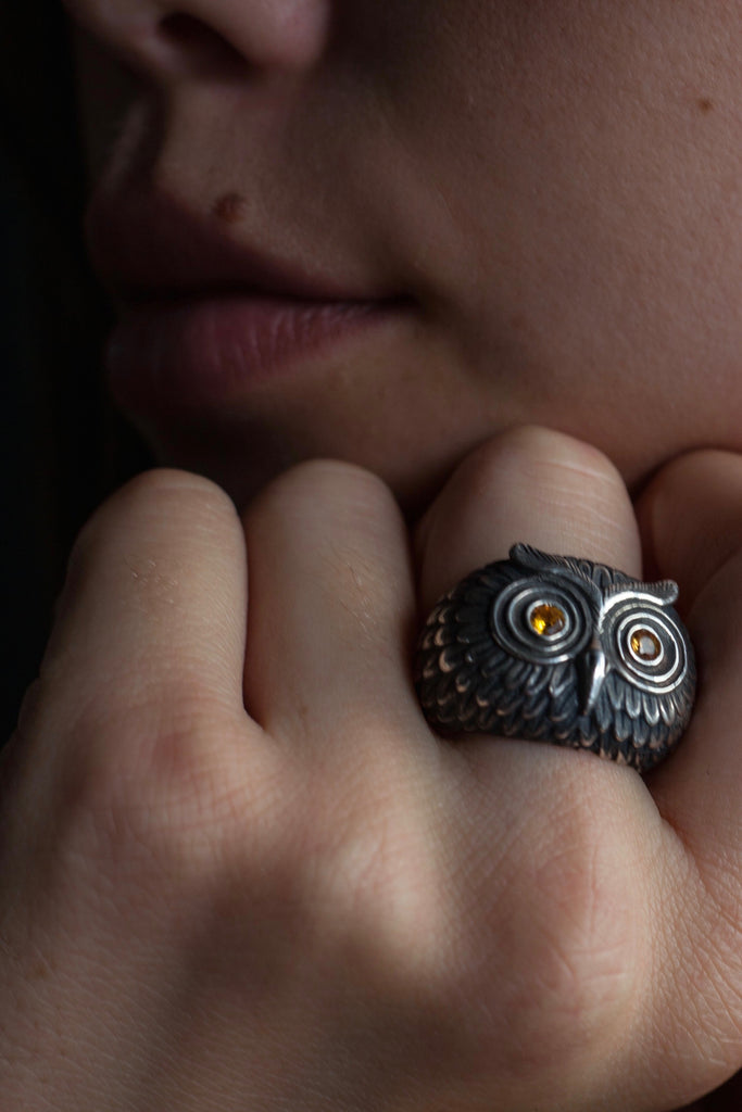 Owl Ring with orange Sapphires