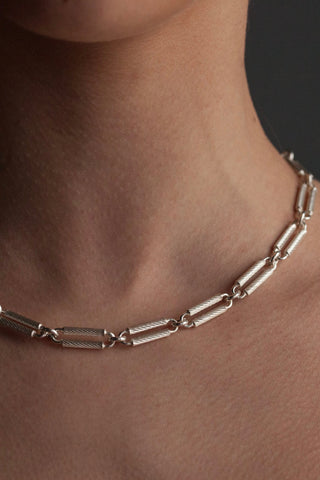 Double Twisted Link Necklace