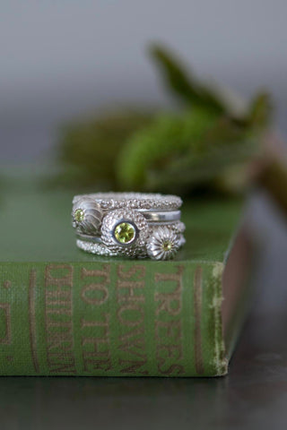 August Peridot Three Pollen and Two Midi Bobbled Stacking Ring Set