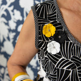 RO2023BR-YELLOW-WHITE-BLACK-ELIZABETH-CLOSE-UP-BOTANICA-2.jpg