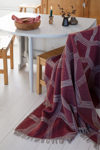 Himmeli Bordeaux - Wool blanket from Finland