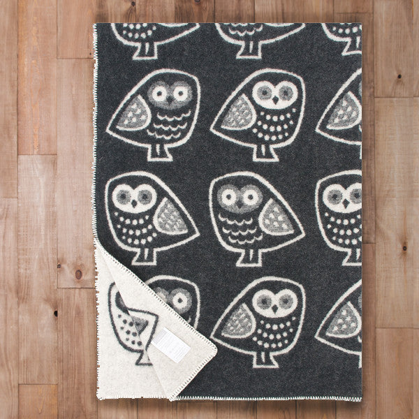 Pöllö - Quality Wool Blanket from Finland - Black