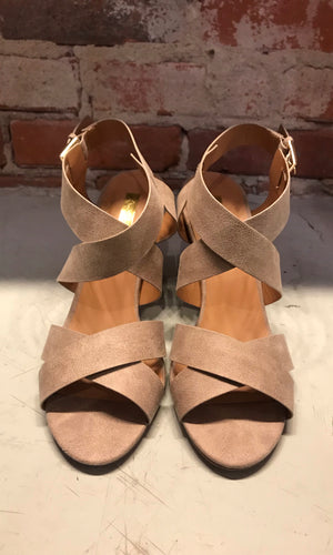 Chamber Taupe Distressed Shoe
