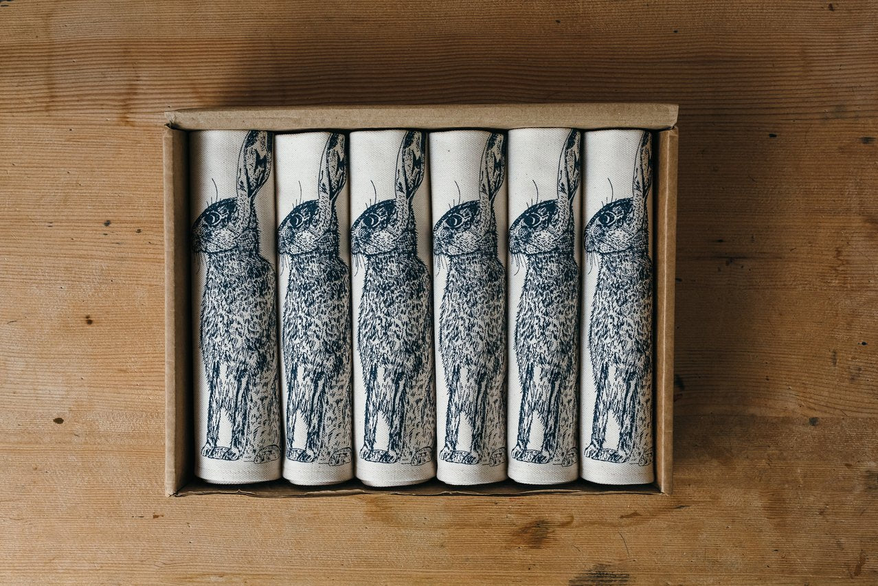 blue hare printed table napkin gift set