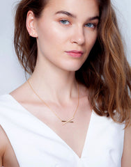 Criss Cross Necklace (Gold)_Model_Benique