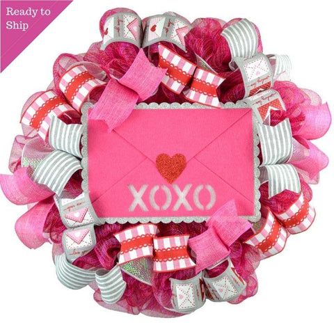 Valentine Love XOXO Wreath - Valentine's Day Decor - Envelope Mesh Door Wreath