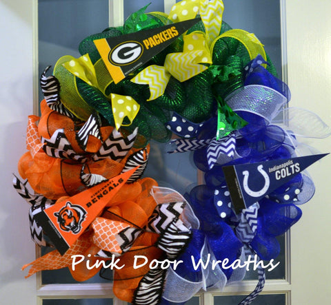 Triple house divided sports wreath