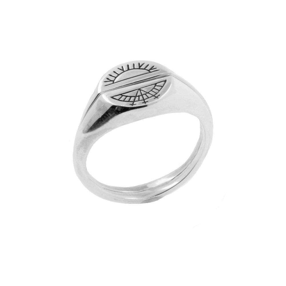 Moon Signet Ring - Silver
