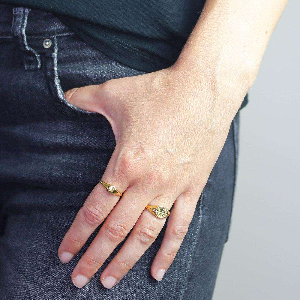 Moon Signet Ring - Solid Gold