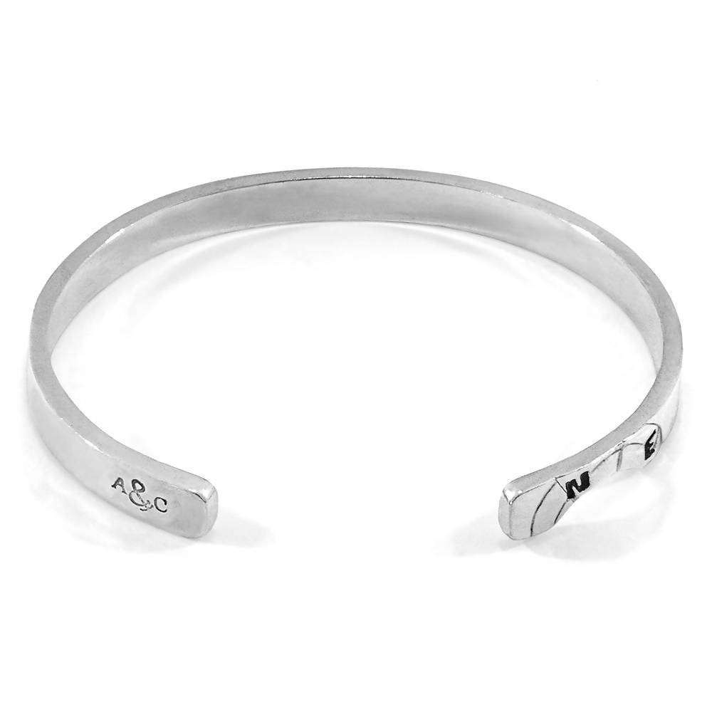 RUSSELL COMPASS CUTOUT WAYFARER SILVER BANGLE