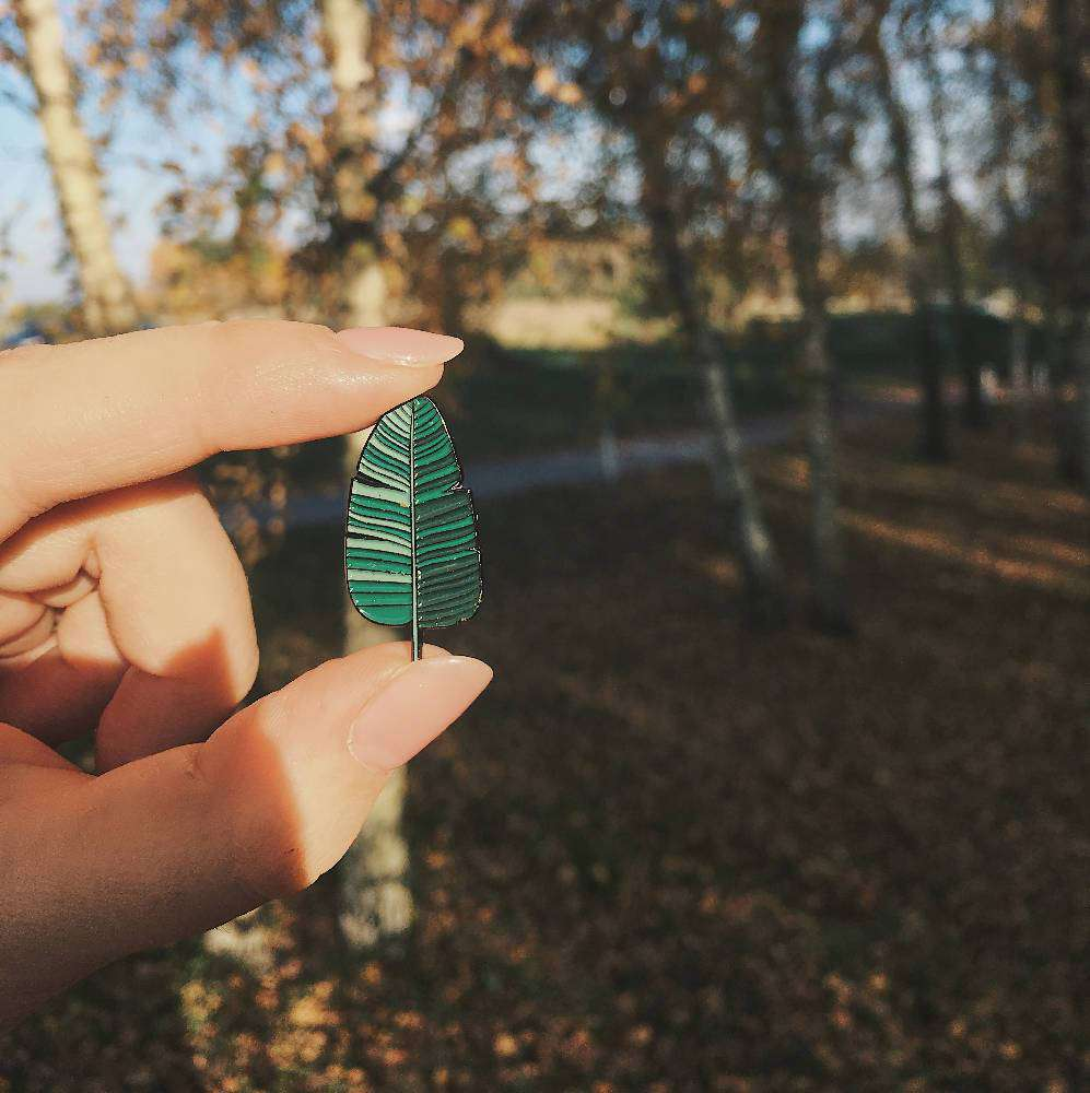 Enamel Pin Palm Leaf