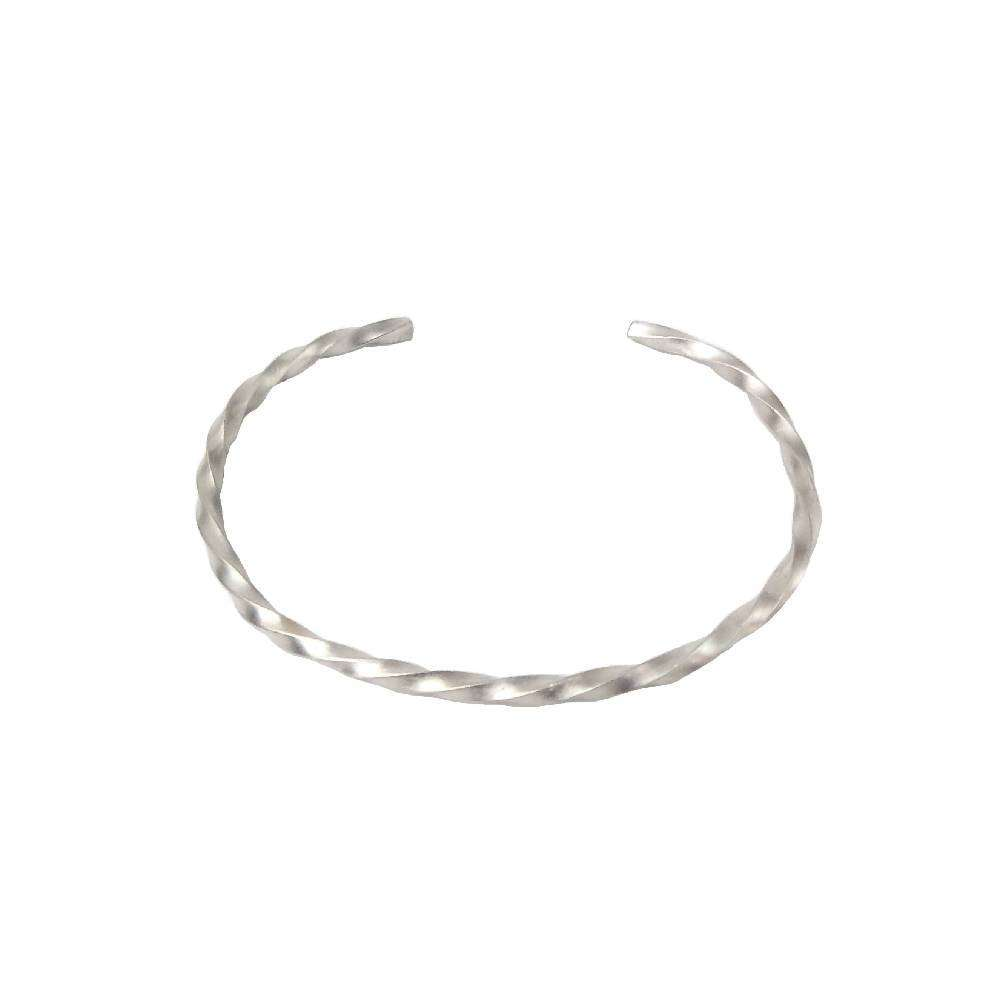 Twisted cuff bracelet in silver