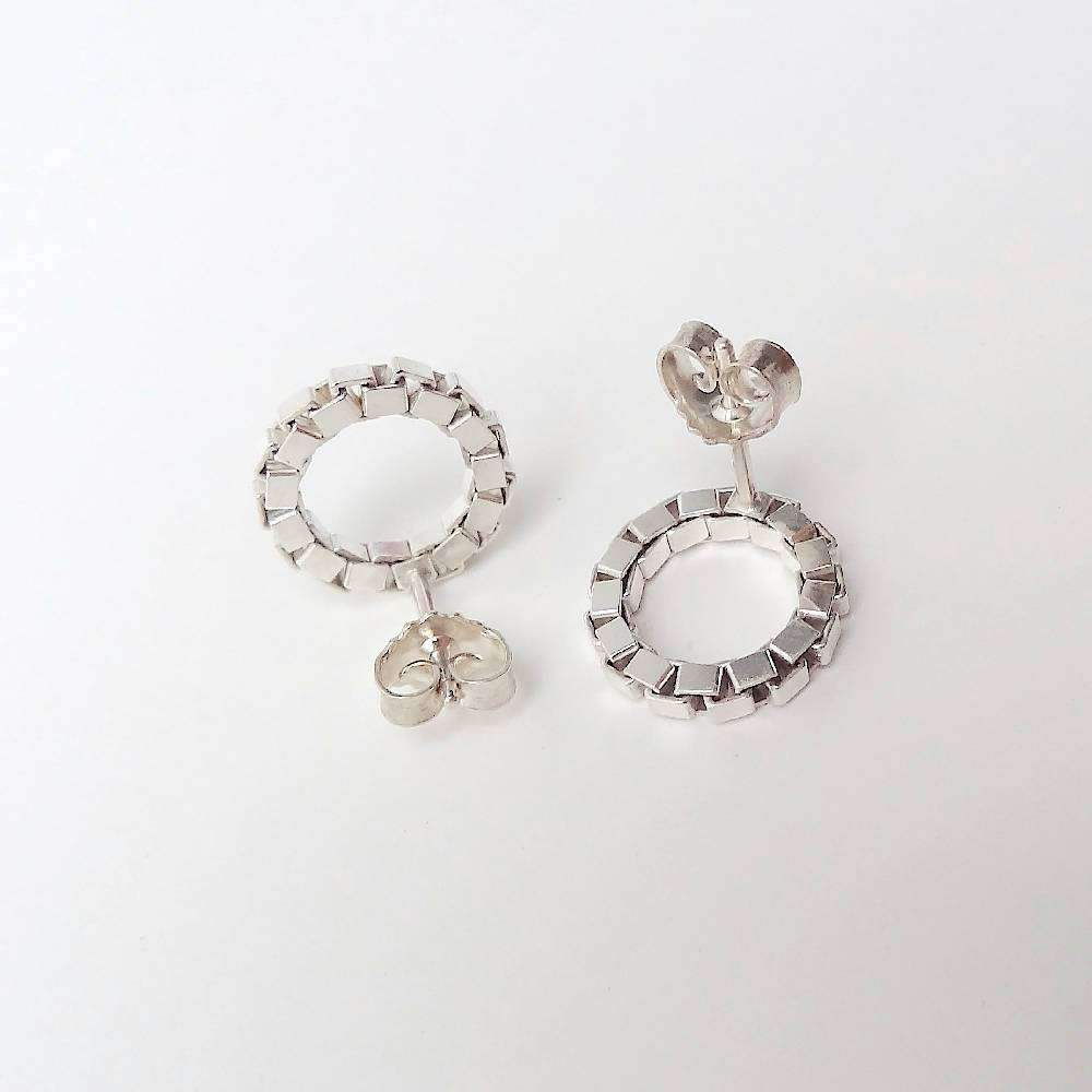 Round chain earrings in silver