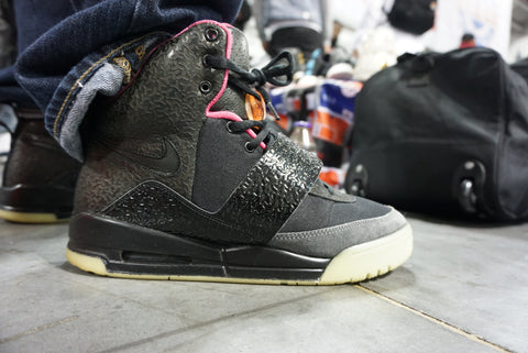 Sneaker: Nike Air Yeezy 1 Blink