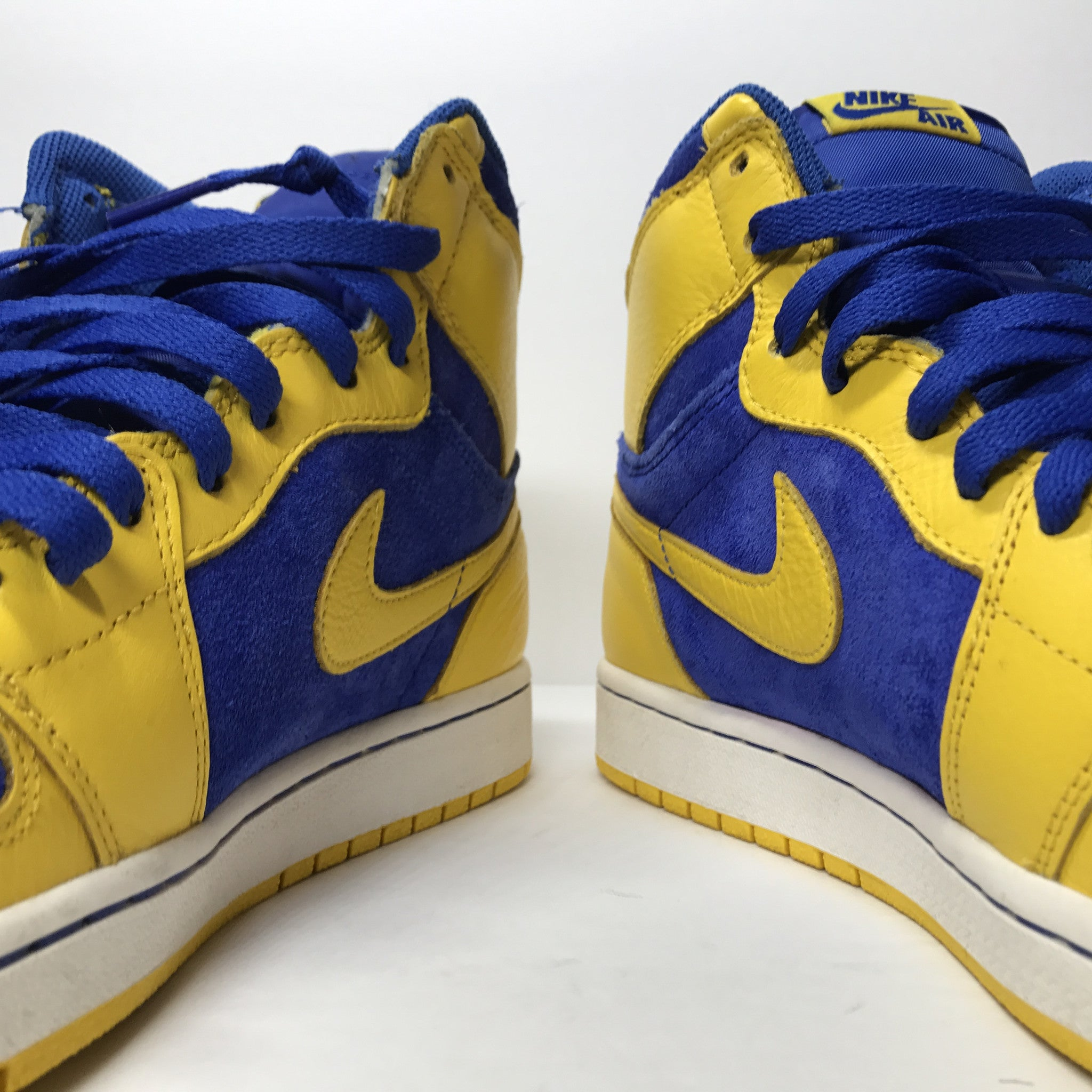 Nike Air Jordan 1 I Retro High OG Laney Size 9.5