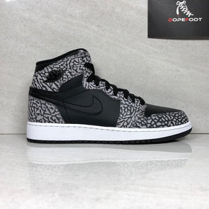 DS Nike Air Jordan 1 retro High Prem BG Size 5.5Y/Size 6.5Y Black Cement 838850 013