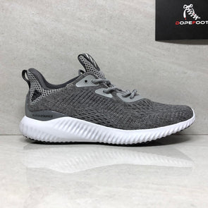 DS Women's Adidas Alpha Bounce Size 8 Grey BW1194